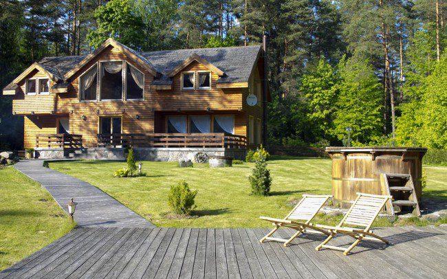 Naujasis namas ir pirties terasa