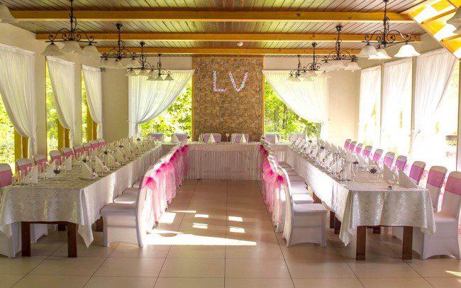 papuošta vestuvių salė