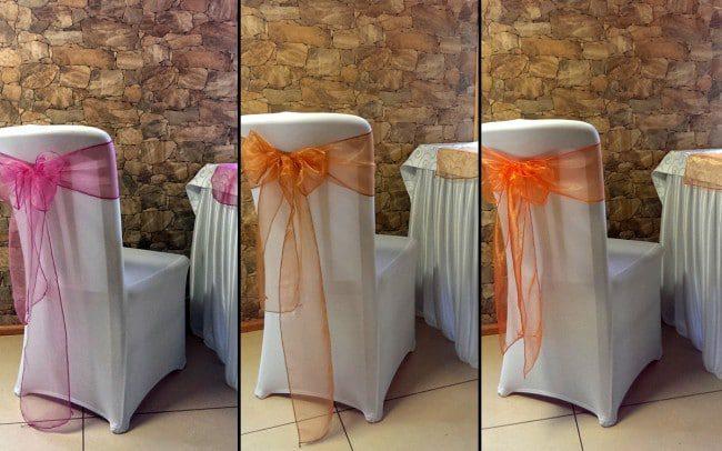 Balti kėdžių užvalkalai ir Įvairiaspalviai kaspinai