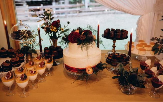 Vestuvės saldus stalas